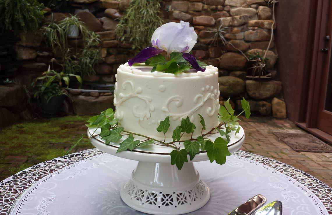 Petite Sweets wedding cake at Storybrook Farm