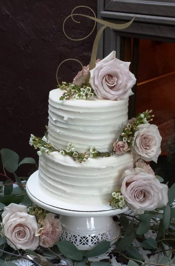 Storybrook Farm wedding cake by Petite Sweets 2