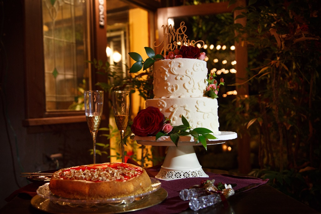Cable Photography, Petite Sweets wedding cake at Storybrook Farm