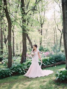 Leslie Lockhart Photography Spring Bride Storybrook Farm