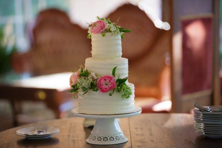 Storybrook Farm Petite Sweets small wedding cake
