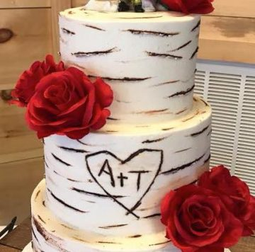 birch bark wedding cake by Petite Sweets